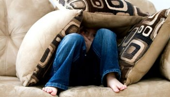 A Guide on How to Pick Out a Family Friendly-Sofa