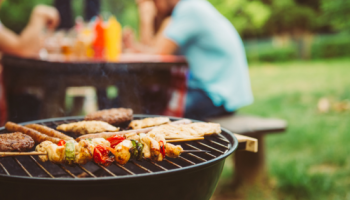 How to Plan an Outdoor BBQ At Home This Summer