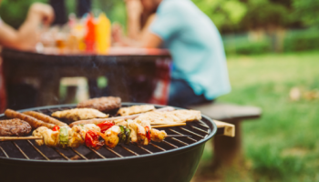 How to Set Up Your Backyard For an Outdoor BBQ