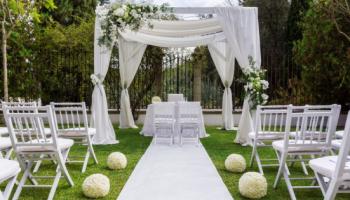The Best Backyard Wedding To-Do List