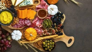 9 Tips to Help You Throw the Best Party This Fall!